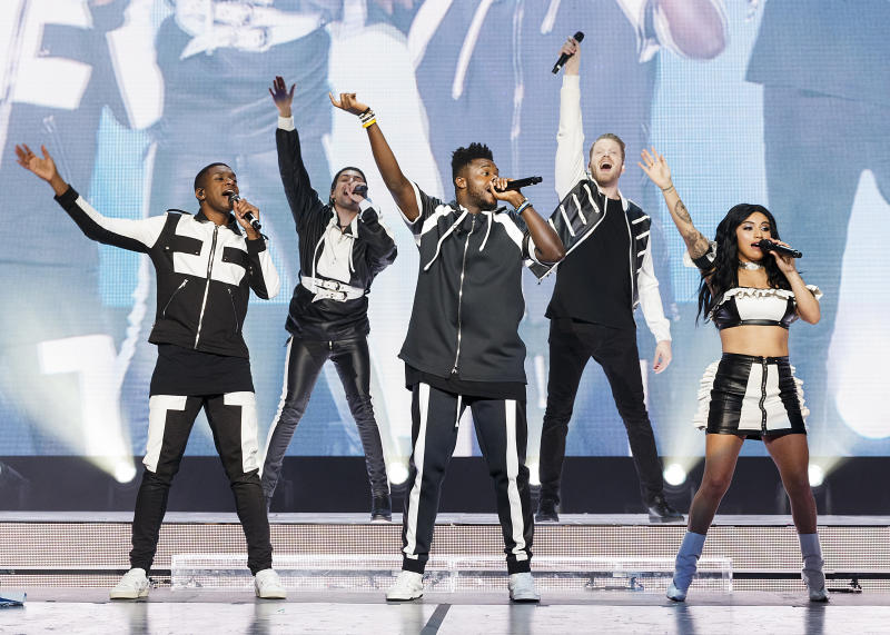 VANCOUVER, BRITISH COLUMBIA - JULY 02: (L-R) Matt Sallee, Mitch Grassi, Kevin Olusola, Scott Hoying and Kirstin Maldonado of Pentatonix perform on stage at Rogers Arena on July 02, 2019 in Vancouver, Canada. (Photo by Andrew Chin/Getty Images)