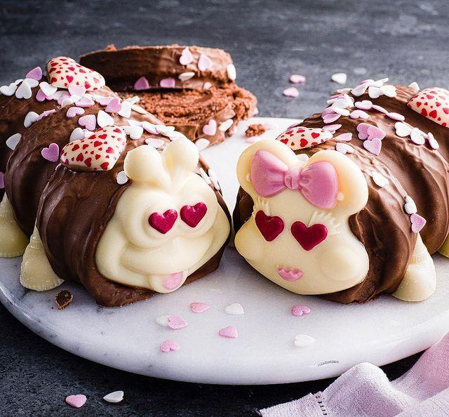 """<p>Love was well and truly in the air this Valentine's Day for <a href=""""https://www.delish.com/uk/food-news/a35403203/colin-the-caterpillar-marks-spencer-valentines-gift/"""" rel=""""nofollow noopener"""" target=""""_blank"""" data-ylk=""""slk:Colin and Connie."""" class=""""link rapid-noclick-resp"""">Colin and Connie.</a></p><p><a href=""""https://www.instagram.com/p/CKyRikZhUz9/"""" rel=""""nofollow noopener"""" target=""""_blank"""" data-ylk=""""slk:See the original post on Instagram"""" class=""""link rapid-noclick-resp"""">See the original post on Instagram</a></p>"""