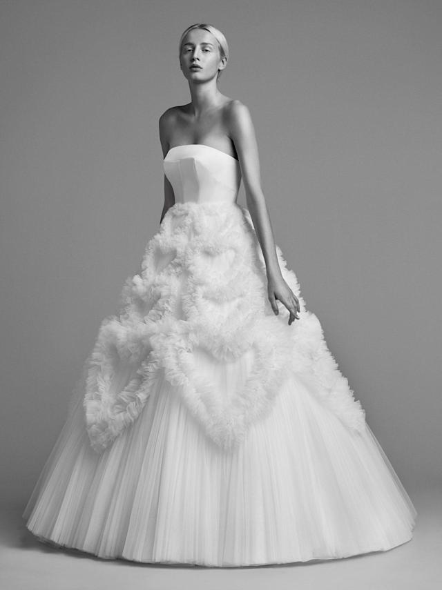 <p>Strapless voluminous ball gown. (Photo: Marijke Aerden) </p>