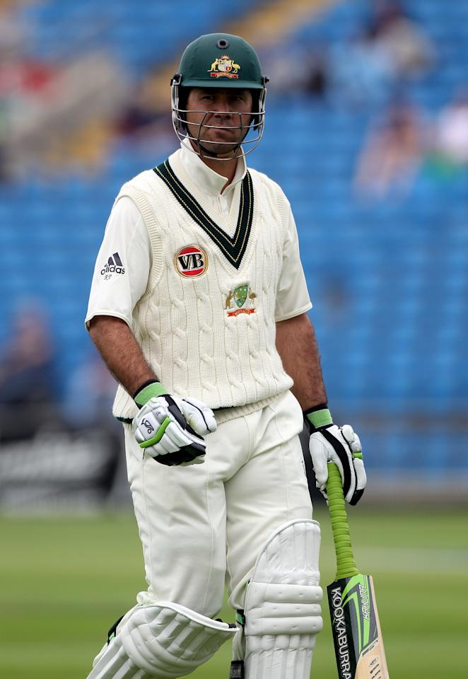 LEEDS, ENGLAND - JULY 21:  Ricky Ponting of Australia walks off after his dismissal during day one of the 2nd Test between Pakistan and Australia at Headingley Carnegie Stadium on July 21, 2010 in Leeds, England.  (Photo by Julian Herbert/Getty Images)