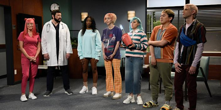 """A photo of all the cast members who performed in the """"Gen Z Hospital"""" on Saturday Night Live."""