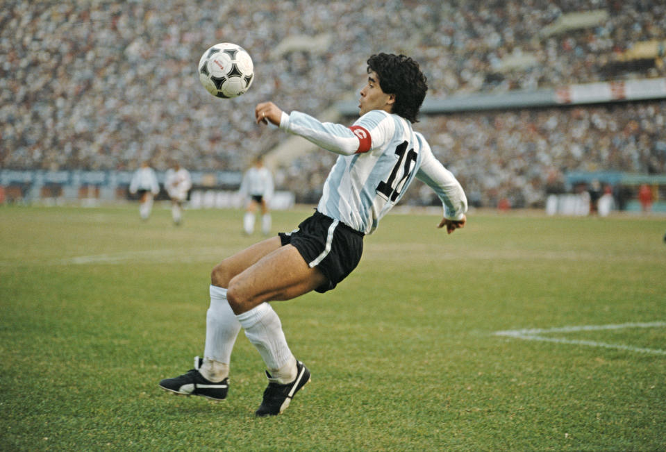 LIMA, PERU - JUNE 23:  Argentina player Diego Maradona in action during a 1986 FIFA World Cup qualifying match against Peru at the National Stadium on June 23, 1985 in Lima, Peru. (Photo by David Cannon/Allsport/Getty Images/Hulton Archive)