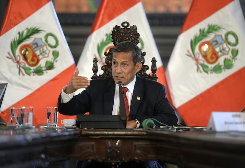 Peruvian President Ollanta Humala speaks during a press conference in his office at the presidential palace in Lima on March 2, 2015