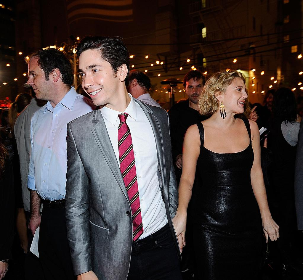 """<a href=""""http://movies.yahoo.com/movie/contributor/1804512153"""">Justin Long</a> and <a href=""""http://movies.yahoo.com/movie/contributor/1800016287"""">Drew Barrymore</a> at the Los Angeles premiere of <a href=""""http://movies.yahoo.com/movie/1810036665/info"""">Whip It!</a> - 09/29/2009"""