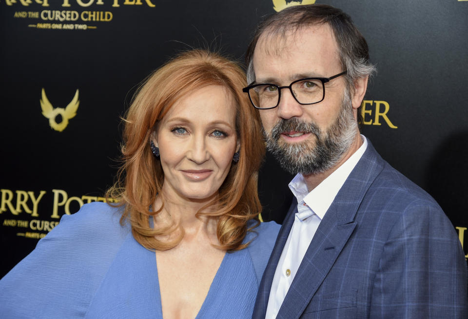 Rowling said her doctor husband, Neil Murray, recommended her treatment. (Photo: Evan Agostini/Invision/AP)