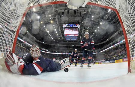 Ice Hockey - 2016 IIHF World Championship - Semi-final - Canada v USA - Moscow, Russia - 21/5/16 - Goalkeeper Keith Kinkaid of the U.S. fails to save the second goal of Canada. REUTERS/Minas Panagiotakis/HHOF-IIHF Images/Pool