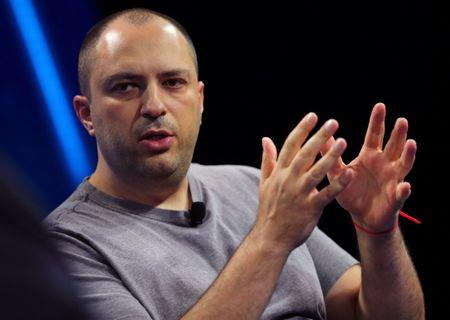 WhatsApp boss and co-founder to quit