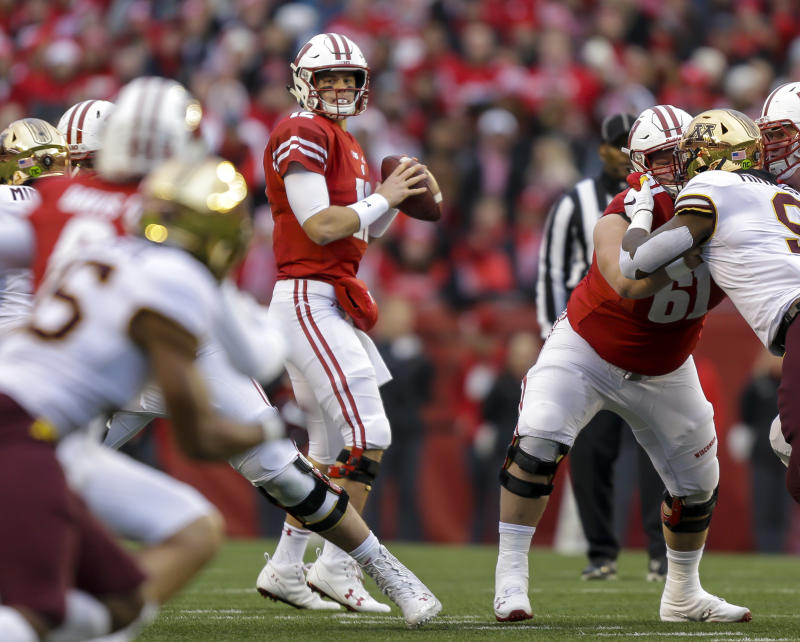 new arrival 84513 3d8be Wisconsin's Alex Hornibrook prepping for 2019 season