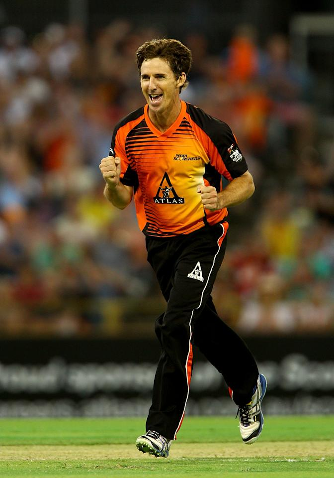 PERTH, AUSTRALIA - JANUARY 04: Brad Hogg of the Scorchers celebrates the dismissal of Adam Zampa of the Thunder during the Big Bash League match between the Perth Scorchers and the Sydney Thunder at WACA on January 4, 2013 in Perth, Australia.  (Photo by Paul Kane/Getty Images)