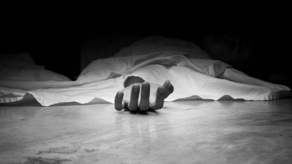 Man seals private parts with adhesive to avoid pregnancy; dies