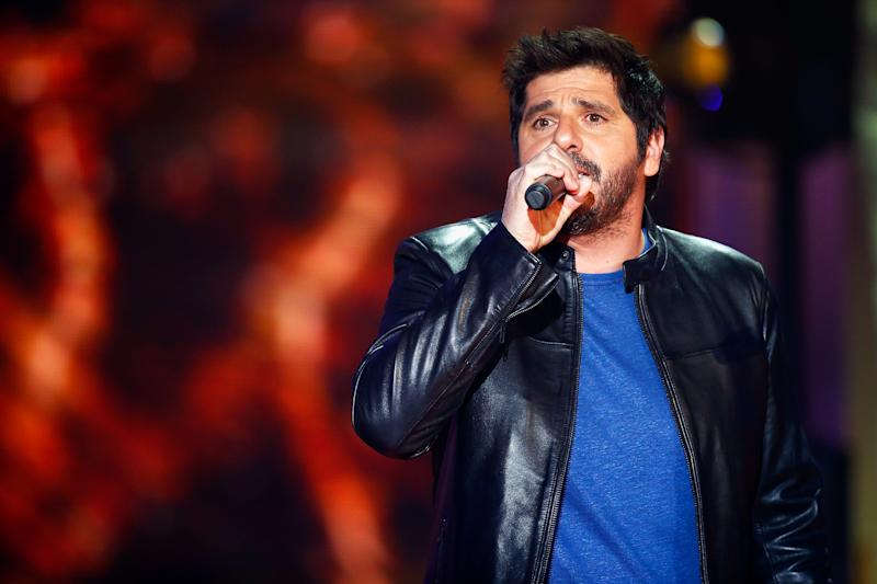NOGENT-SUR-MARNE, FRANCE - DECEMBER 09:  French Singer Patrick Fiori performs on stage during the 31st France Television Telethon at Pavillon Baltard on December 9, 2017 in Nogent-sur-Marne, France.  (Photo by Julien Hekimian/Getty Images)