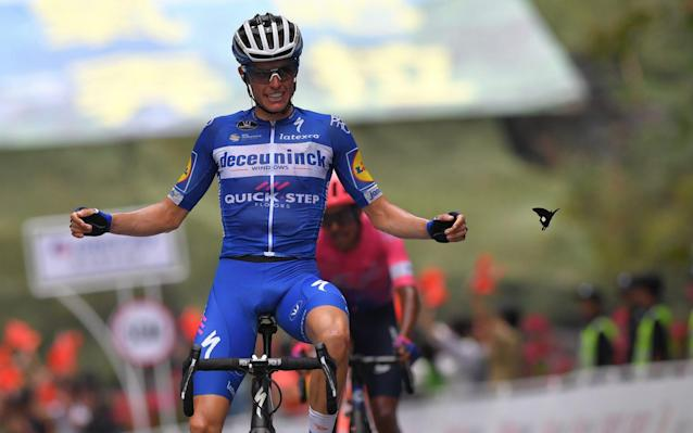 Enric Mas wins stage four by a second from Dani Martinez - Velo