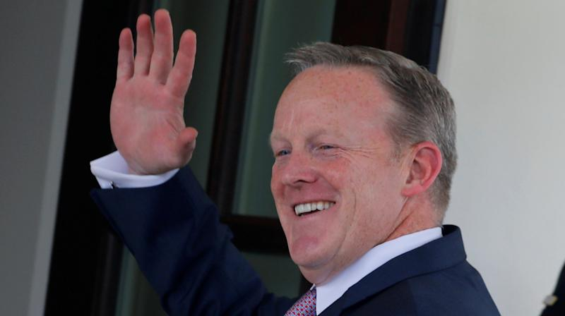 Of Course Sean Spicer's Goodbye Email Contained A Typo