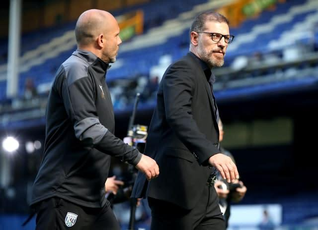 Slaven Bilic, right, saw his West Brom side lose to Everton