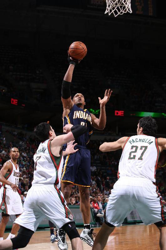George, West help Pacers hold on against Bucks