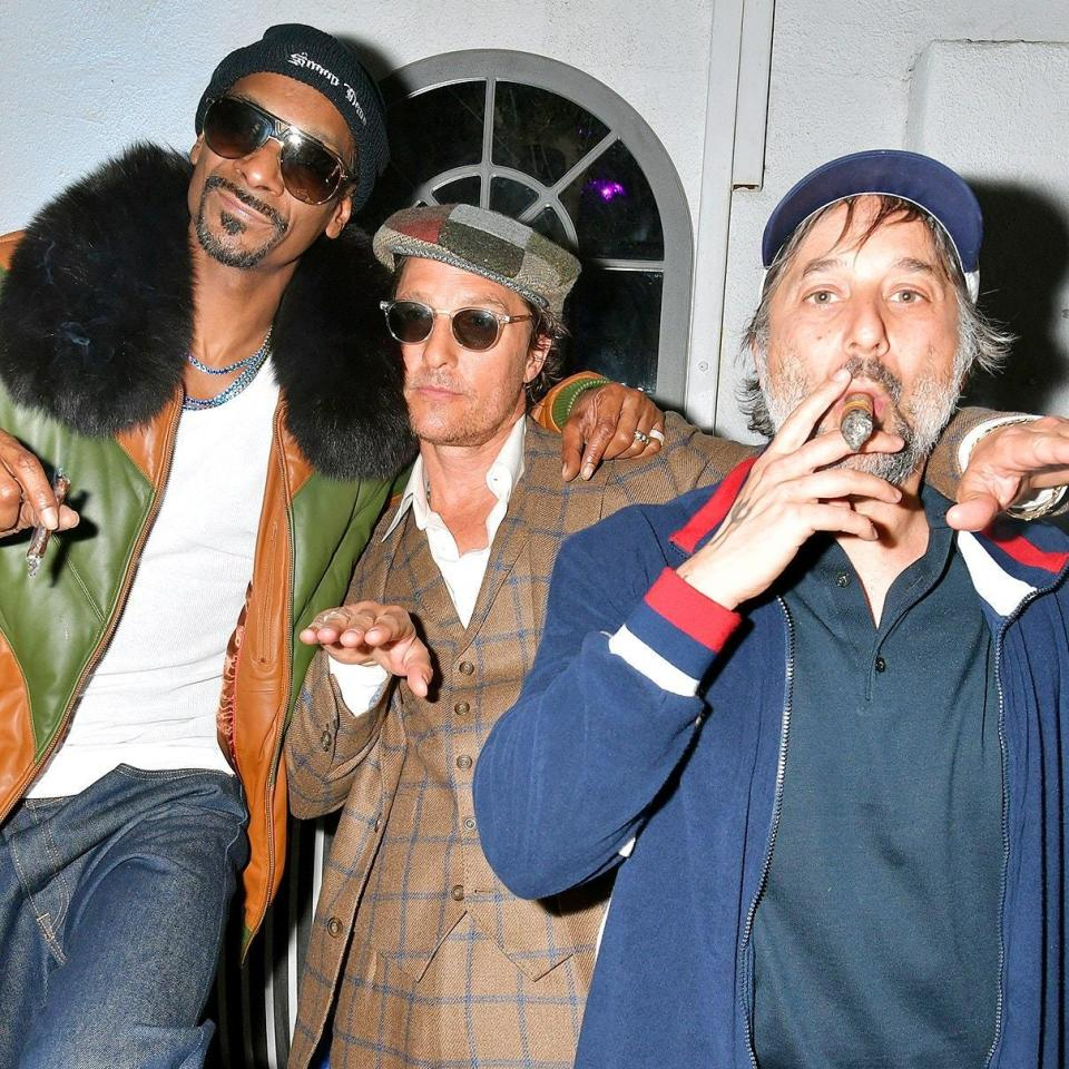 """<h1 class=""""title"""">March 29: Snoop Dogg, Matthew McConaughey, Harmony Korine</h1> <div class=""""caption""""> 'The Beach Bum' bros Snoop Dogg, Matthew McConaughey, and Harmony Korine prove that three fits are bigger than one. </div> <cite class=""""credit"""">Amy Sussman</cite>"""