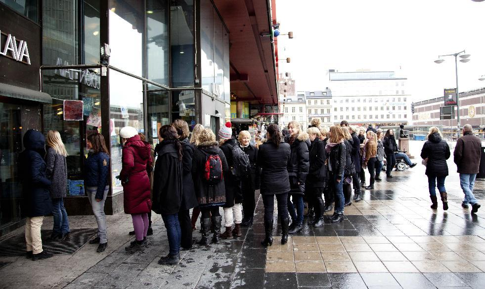 In this photo taken Tuesday March 20, 2012, people queue up to enter the Lunch Beat event at a cultural center in central Stockholm. Lunch Beat events are held monthly in Stockholm to crowds of hundreds where organizers say the party starts at noon and goes on for one hour. There is no alcohol, which means there's a different ambiance compared to nighttime clubbing. (AP Photo/Kirsten Thyberg Eddyson)