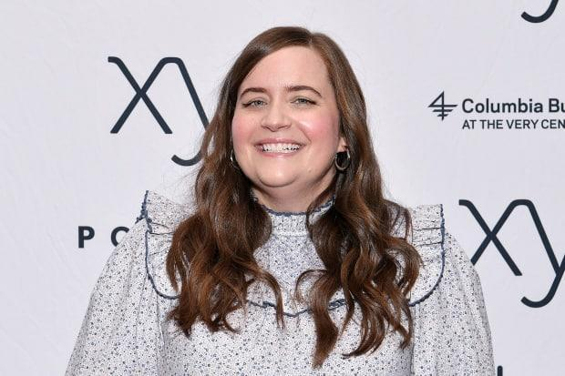 Shortly after Elon Musk was announced as a future host of Saturday Night Live, cast member Aidy Bryant posted a tweet by U.S. Senator Bernie Sanders critiquing the 50 richest Americans.