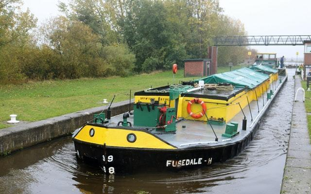 First commercial barge deliveries to Leeds in 20 years