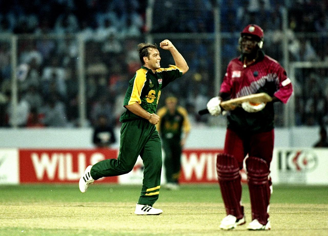 1 Nov 1998:  Jacques Kallis of South Africa takes the wicket of Carl Hooper of the West Indies the Wills International Cup at the Bangabandhu National Stadium in Dhaka in Bangladesh. \ Mandatory Credit: Clive Mason /Allsport