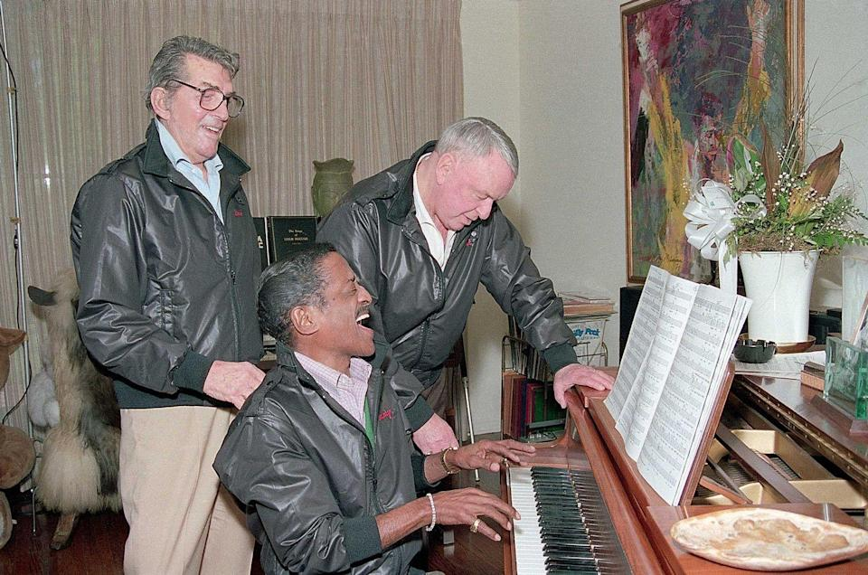 <p>Some fun on the piano at Sammy Davis' house in preparation for their 29 city tour in March 1988.</p>