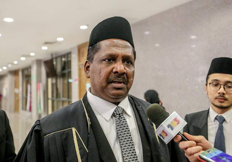 Datuk Akberdin Abdul Kader speaks to reporters at the Shariah High Court in Kuala Lumpur September 18, 2019. — Picture by Firdaus Latif