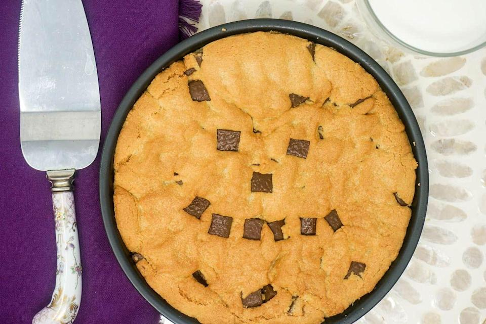 """<p>Chocolate chip cookies are amazing no matter what you use to make them—including your air fryer! This super-sized version is great for a party. </p><p><strong>Get the recipe at <a href=""""https://www.gracelikerainblog.com/2019/01/air-fryer-chocolate-chip-cookie.html"""" rel=""""nofollow noopener"""" target=""""_blank"""" data-ylk=""""slk:Grace Like Rain"""" class=""""link rapid-noclick-resp"""">Grace Like Rain</a>.</strong></p><p><a class=""""link rapid-noclick-resp"""" href=""""https://go.redirectingat.com?id=74968X1596630&url=https%3A%2F%2Fwww.walmart.com%2Fsearch%2F%3Fquery%3Dpioneer%2Bwoman%2Bknives&sref=https%3A%2F%2Fwww.thepioneerwoman.com%2Ffood-cooking%2Fmeals-menus%2Fg37257771%2Fair-fryer-desserts%2F"""" rel=""""nofollow noopener"""" target=""""_blank"""" data-ylk=""""slk:SHOP KNIVES"""">SHOP KNIVES</a></p>"""