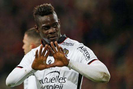 Football Soccer - Lille v Nice - French Ligue 1 - Pierre Mauroy Stadium, Villeneuve d'Ascq, France - 07/04/17 - Nice's Mario Balotelli reacts after scoring. REUTERS/Pascal Rossignol