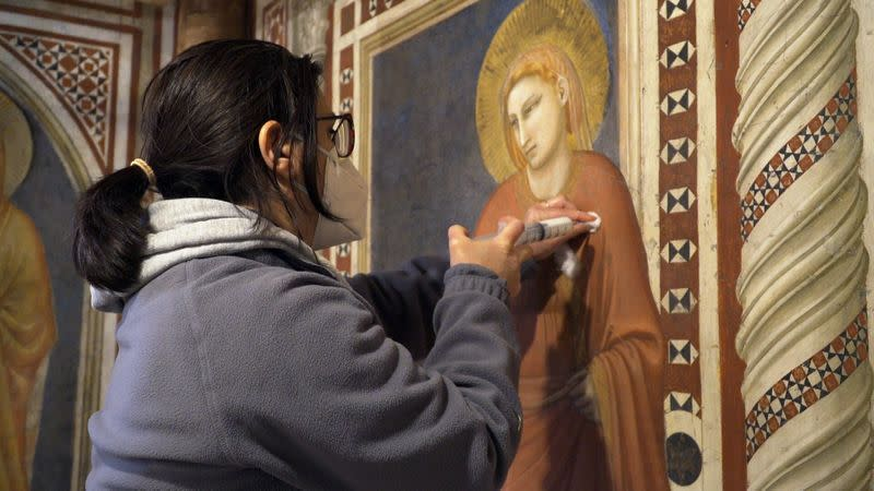 Restorers Save Giotto Frescoes In Assisi S Chapel Of The Magdalene