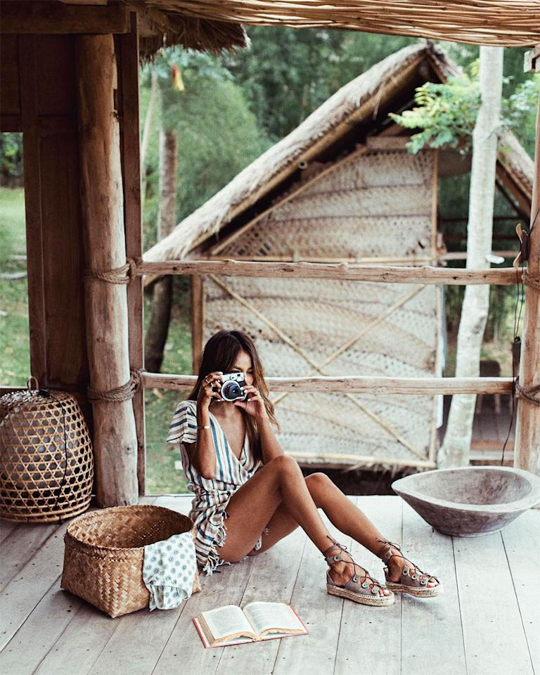 <h2>All Covered Up</h2>                                                                                                                                                                                                                                      <h4>@sincerelyjules</h4>