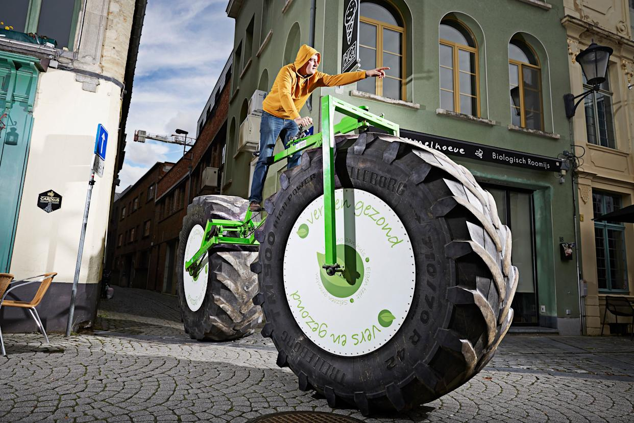 Jeff Peeters of Belgium built the heaviest rideable bicycle in 2015. It weighs 1,895 pounds, 15.6 ounces.