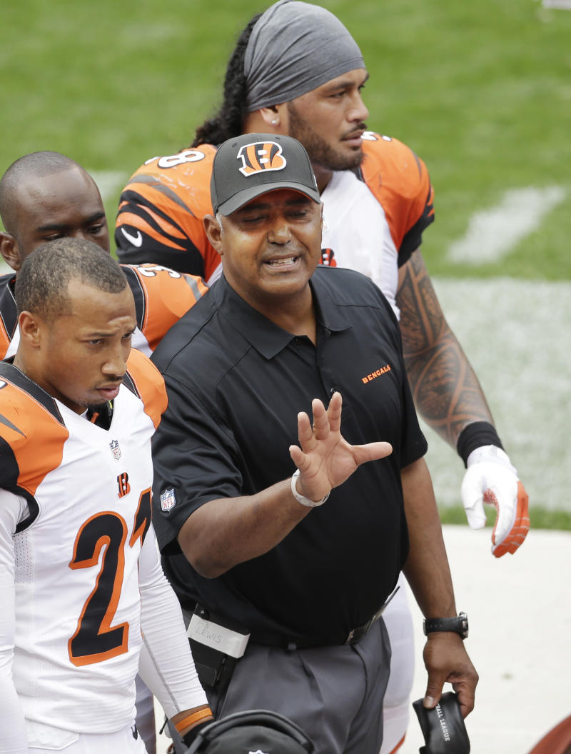 Bengals' offense embarrassed in Cleveland