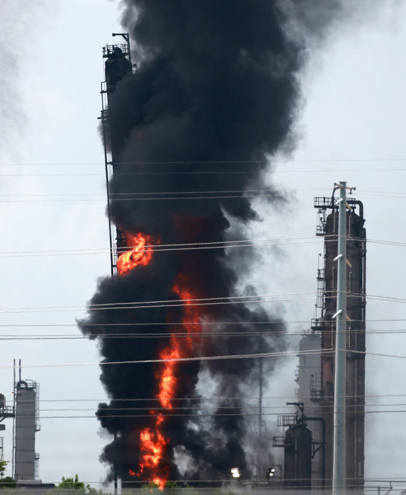 Fire at Texas Exxon Mobil refinery slightly injures 37