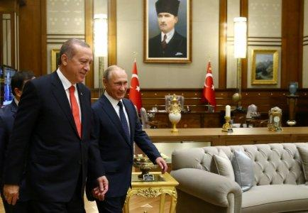 Turkish President Tayyip Erdogan meets with Russia's President VladimirÊPutin at the Presidential Palace in Ankara, Turkey, September 28, 2017. Kayhan Ozer/Presidential Palace/Handout via REUTERS