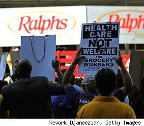 Southern California grocery workers on strike