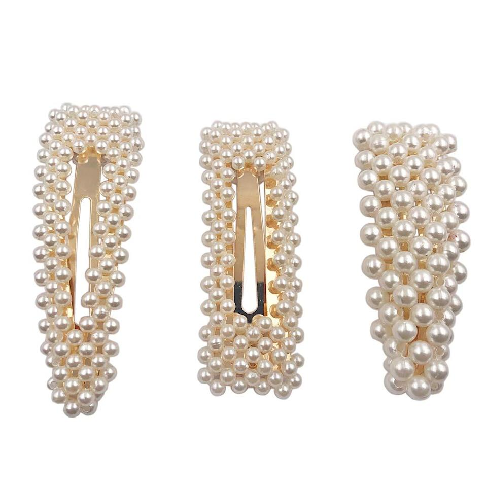 """<h3><a href=""""https://amzn.to/2udBswK"""" rel=""""nofollow noopener"""" target=""""_blank"""" data-ylk=""""slk:Pearl Hairclips"""" class=""""link rapid-noclick-resp"""">Pearl Hairclips</a></h3><br><strong>Sasha</strong><br><br><strong>How She Discovered It:</strong> """"I was searching for cute, cheap hair clips after seeing an influencer wearing them.""""<br><br><strong>Why It's A Hidden Gem:</strong> """"Hair clips are all over Instagram right now and these are the perfect detail to get the look for an affordable price.""""<br><br><strong>Messen</strong> Decorative Artificial Pearl Barrettes (Set of 3), $, available at <a href=""""https://amzn.to/2MBx8wy"""" rel=""""nofollow noopener"""" target=""""_blank"""" data-ylk=""""slk:Amazon"""" class=""""link rapid-noclick-resp"""">Amazon</a>"""