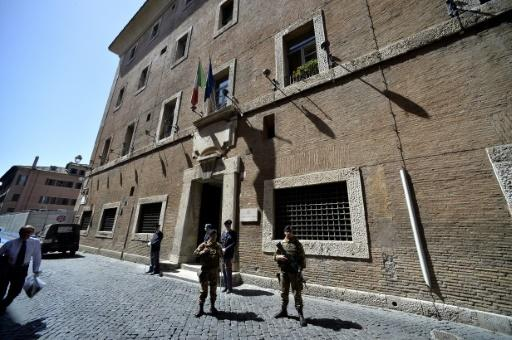 Italian police seize 1.6 bn euros in assets from mafia family