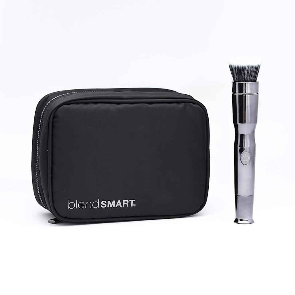 <p>This <span>blendSMART2 Metallic Shimmer Rotating Makeup Brush Starter Set + Cosmetic Bag</span> ($72) is a great option to give to someone.</p>