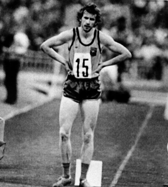 Ian Campbell of Australia is dejected after learning he fouled on the triple jump he thought he'd completed successfully at the Summer Olympics in Moscow, July 26, 1980. (AP)