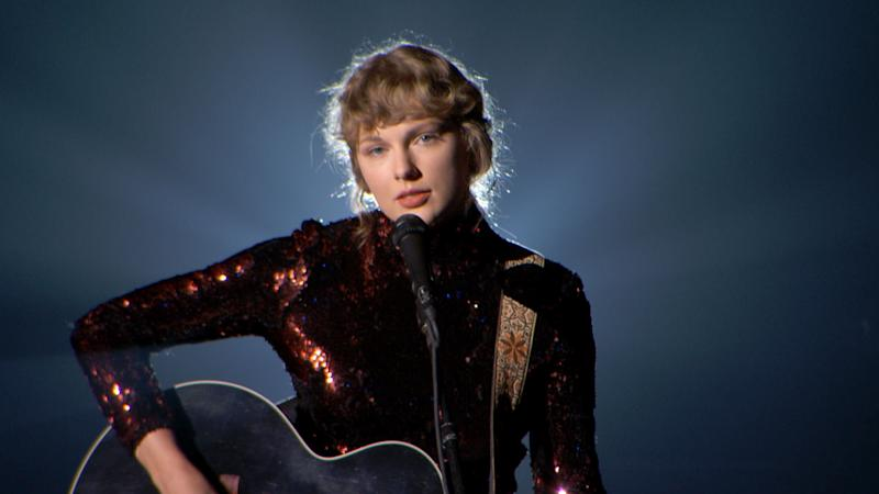 """Taylor Swift sang hertwangy-in-the-best-way track """"Betty"""" at the ACM Awards. (Photo: ACMA2020 via Getty Images)"""
