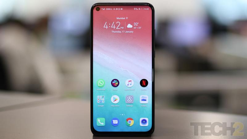 The Honor View 20 is the second smartphone to be announced globally after the Samsung Galaxy A8s to feature a punch-hole camera. Image: tech2/Omkar Patne