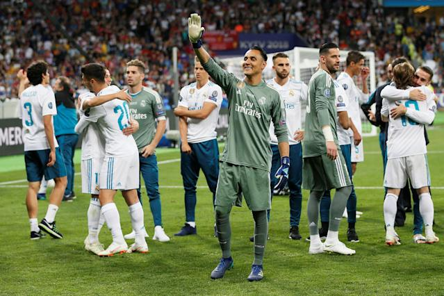 Soccer Football - Champions League Final - Real Madrid v Liverpool - NSC Olympic Stadium, Kiev, Ukraine - May 26, 2018 Real Madrid's Keylor Navas salutes the fans as they celebrate after winning the Champions League REUTERS/Gleb Garanich