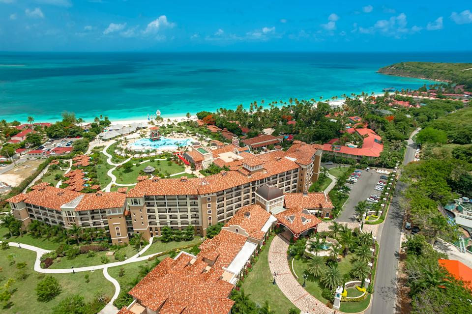 Sandals Grande Antigua is a sprawling resort on Dickenson Bay, the longest white sandy beach on the island.