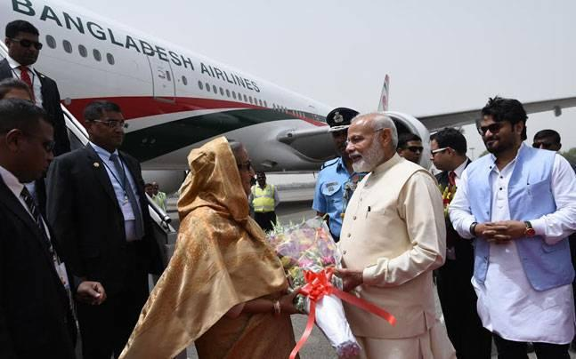When an announcer asked PM Modi, Sheikh Hasina to 'step down'