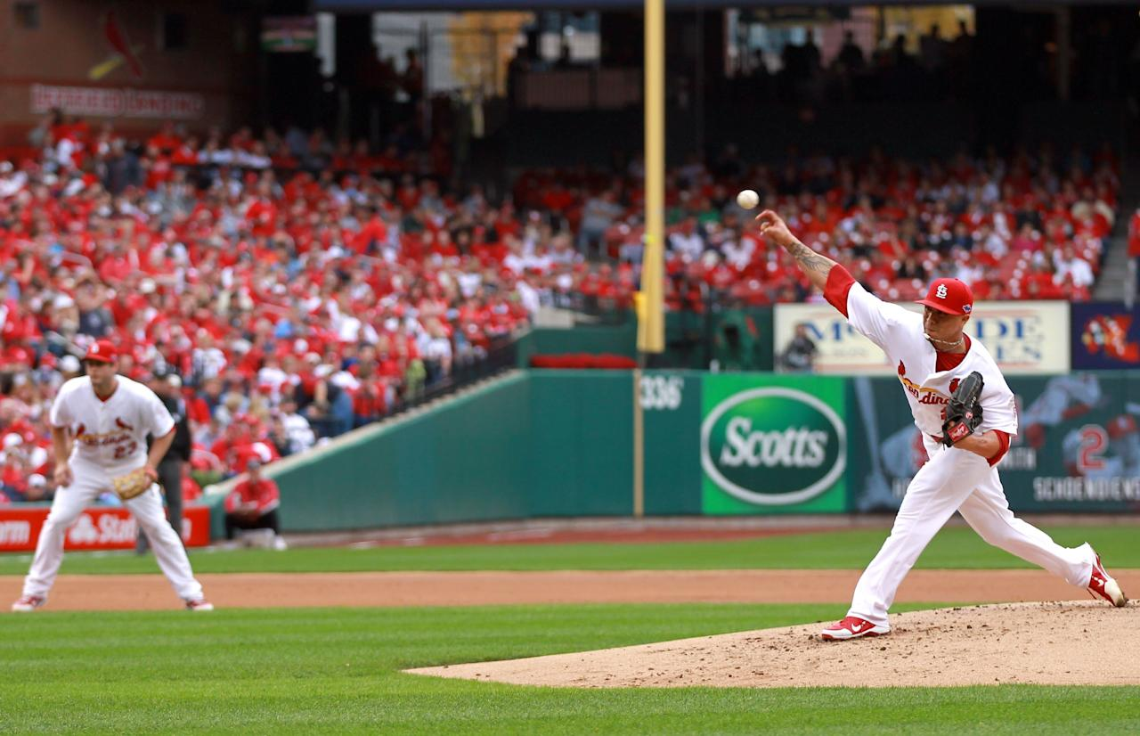ST LOUIS, MO - OCTOBER 17:  Kyle Lohse #26 of the St. Louis Cardinals pitches agains the San Francisco Giants in Game Three of the National League Championship Series at Busch Stadium on October 17, 2012 in St Louis, Missouri.  (Photo by Dilip Vishwanat/Getty Images)