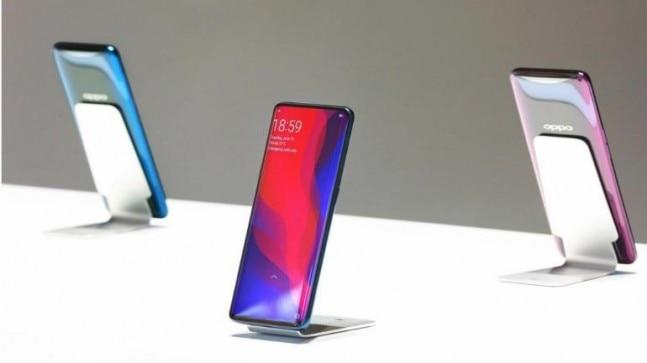 Oppo's Product Manager Chuck Wang has revealed that the company will show its first foldable smartphone at the Mobile World Congress (MWC) in Barcelona in February 2019.