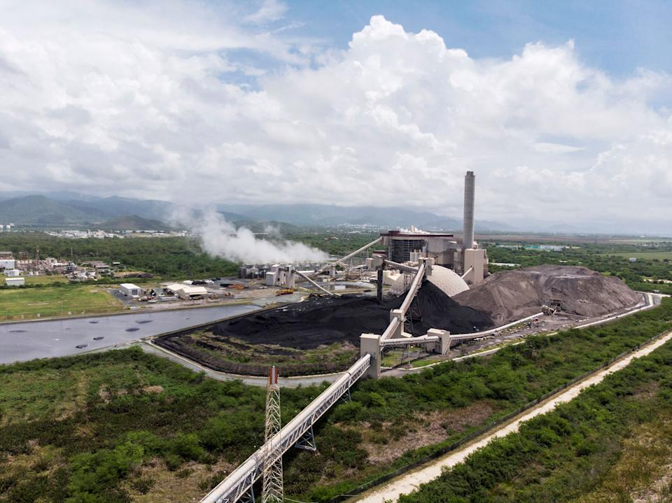 Residents of Guayama are fighting against the AES Energy Plant, a coal-burning facility that is contaminating the aquifers and putting its neighbors at risk. (Photo: Dennis Rivera Pichardo for HuffPost)