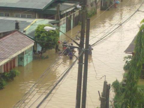 A street in De Castro, Pasig City (Photo by Ryan Abejero)