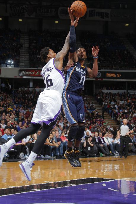 Conley leaves game with right ankle injury
