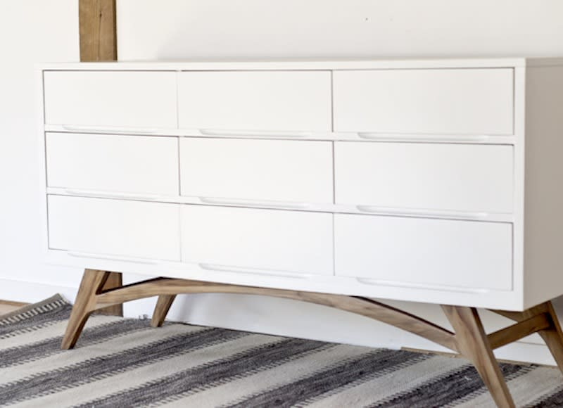 15 best cheap furniture makeovers we 39 ve ever seen for Affordable furniture on 45